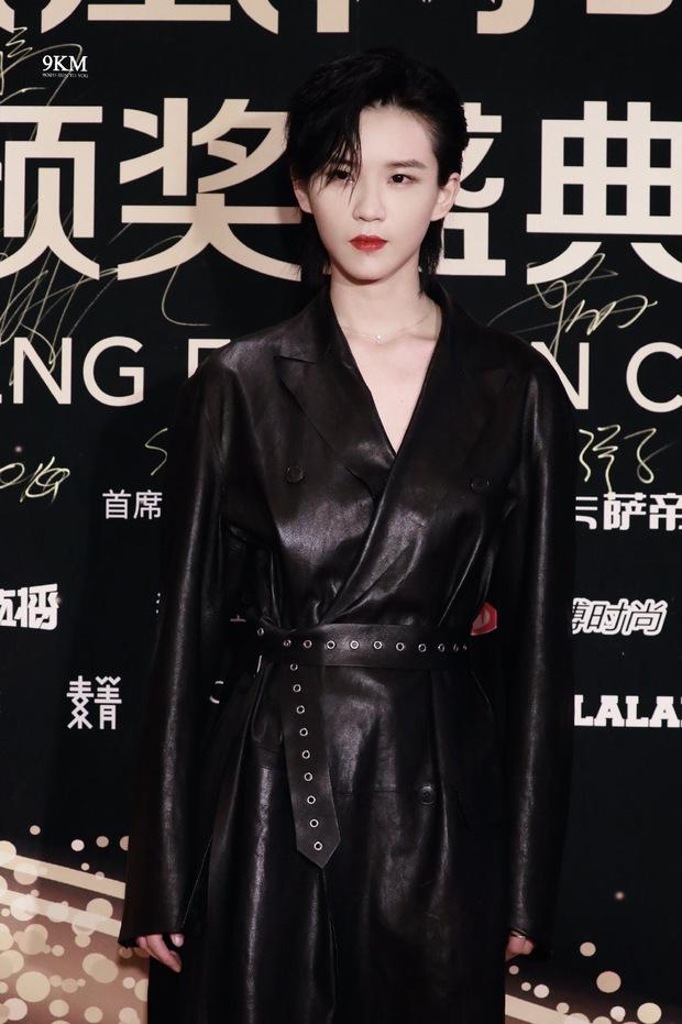 Dàn sao đổ bộ sự kiện Phượng Hoàng: Khổng Tuyết Nhi gây bão với visual công chúa, Jia (Miss A) chặt chém vì hình ảnh cực bốc - Ảnh 9.