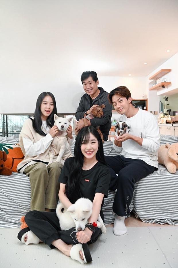 Nữ diễn viên Jo Yoon Hee lần đầu lộ diện hậu ly hôn Lee Dong Gun, đọ nhan sắc gắt bên Tiffany (SNSD) - Ảnh 5.