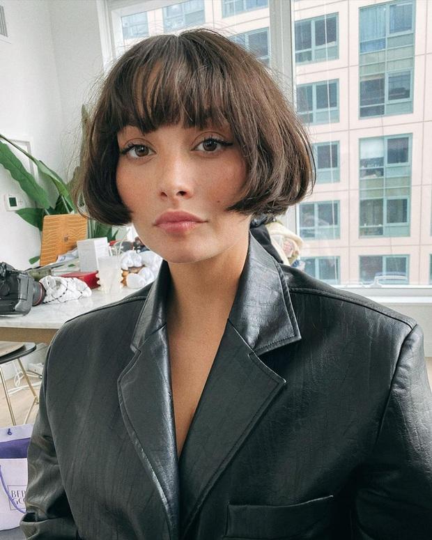 9 kiểu tóc sinh ra để dành cho hội chị em tóc mỏng dính: Không chỉ hack độ dày mà còn tăng gấp bội vẻ sang chảnh - Ảnh 2.