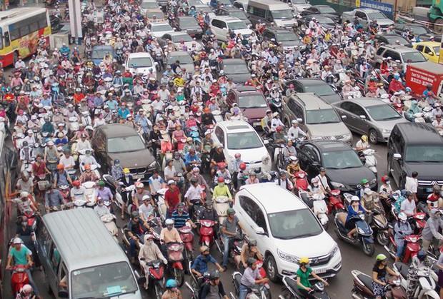 Hơn 39 nghìn người chết do tai nạn giao thông trong 5 năm qua - Ảnh 1.
