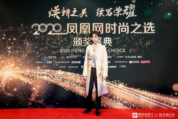 Dàn sao đổ bộ sự kiện Phượng Hoàng: Khổng Tuyết Nhi gây bão với visual công chúa, Jia (Miss A) chặt chém vì hình ảnh cực bốc - Ảnh 22.