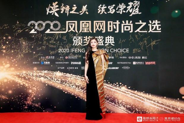 Dàn sao đổ bộ sự kiện Phượng Hoàng: Khổng Tuyết Nhi gây bão với visual công chúa, Jia (Miss A) chặt chém vì hình ảnh cực bốc - Ảnh 12.