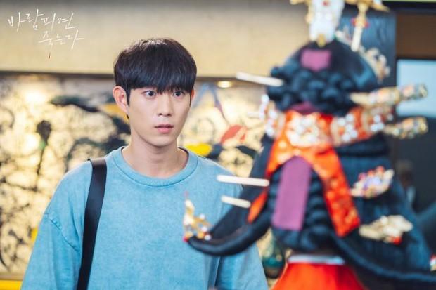 """""""Nữ hoàng cảnh nóng"""" Jo Yeo Jeong diện đồ Hoàng hậu ở Lừa Em, Cưng Tiêu Rồi!, lại nghĩ ra trò gì tra tấn chồng chăng? - Ảnh 3."""