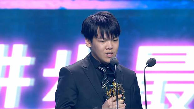 Nóng: SofM rinh trọn một lúc 3 giải thưởng danh giá nhất của LPL 2020, kỳ tích khiến cộng đồng Việt và thế giới đều ngưỡng mộ - Ảnh 5.
