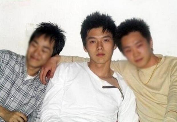 Học vấn đối lập của Hyun Bin - Son Ye Jin: Người cân hết showbiz Hàn, người bị đuổi vì mải chạy show bỏ bê việc học - Ảnh 3.