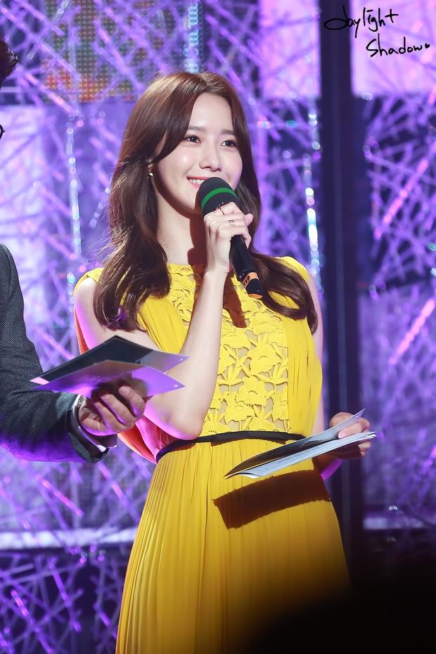 Nữ thần MBC Gayo Daejejeon gọi tên Yoona (SNSD): 5 năm liên tiếp làm MC, mỗi năm lại xinh hơn vạn phần, năm nay gây bão cả MXH - Ảnh 8.