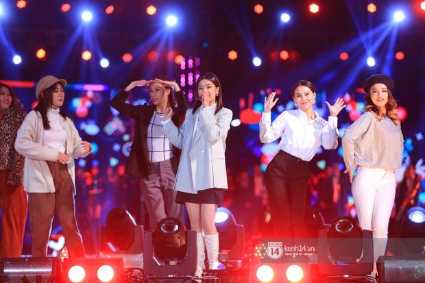 Noo Phước Thịnh trễ sóng show trực tiếp vì bị kẹt đường tại Hà Nội, MCK và Tlinh đụng độ ICD tại show countdown ở TP.HCM - Ảnh 5.
