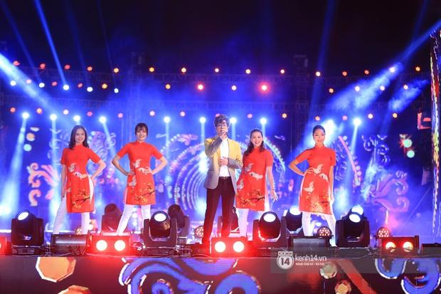 Noo Phước Thịnh trễ sóng show trực tiếp vì bị kẹt đường tại Hà Nội, MCK và Tlinh đụng độ ICD tại show countdown ở TP.HCM - Ảnh 3.
