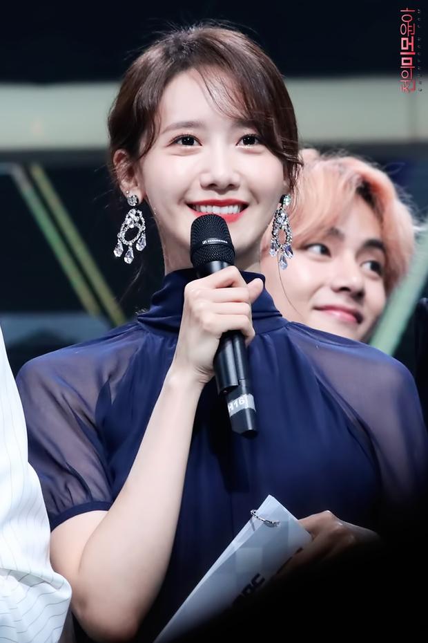 Nữ thần MBC Gayo Daejejeon gọi tên Yoona (SNSD): 5 năm liên tiếp làm MC, mỗi năm lại xinh hơn vạn phần, năm nay gây bão cả MXH - Ảnh 15.