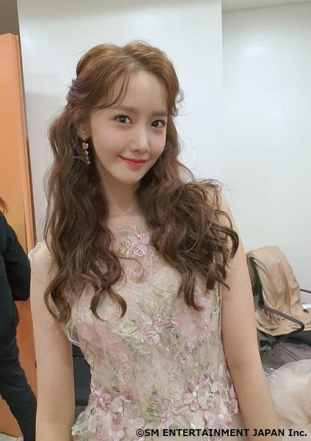 Nữ thần MBC Gayo Daejejeon gọi tên Yoona (SNSD): 5 năm liên tiếp làm MC, mỗi năm lại xinh hơn vạn phần, năm nay gây bão cả MXH - Ảnh 21.