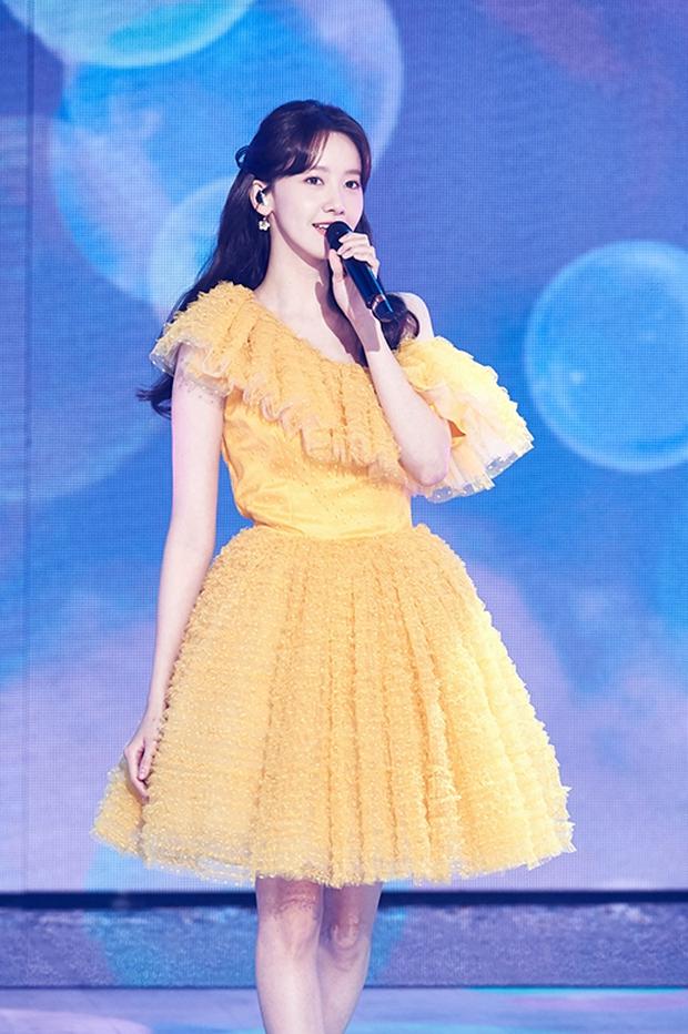 Nữ thần MBC Gayo Daejejeon gọi tên Yoona (SNSD): 5 năm liên tiếp làm MC, mỗi năm lại xinh hơn vạn phần, năm nay gây bão cả MXH - Ảnh 22.