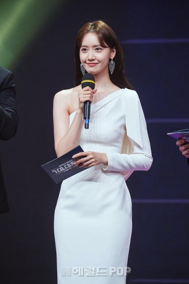 Nữ thần MBC Gayo Daejejeon gọi tên Yoona (SNSD): 5 năm liên tiếp làm MC, mỗi năm lại xinh hơn vạn phần, năm nay gây bão cả MXH - Ảnh 25.