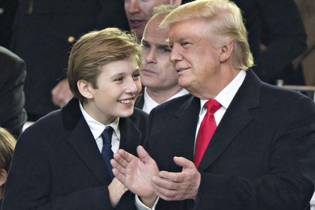 Nhìn lại 4 năm ở Nhà Trắng của cậu ấm Barron Trump: Dậy thì thành công hết nấc nhưng ngày càng làm fan chạnh lòng vì một chi tiết - Ảnh 8.