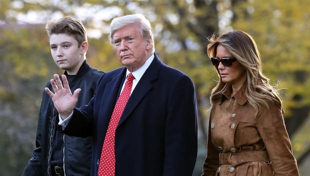 Nhìn lại 4 năm ở Nhà Trắng của cậu ấm Barron Trump: Dậy thì thành công hết nấc nhưng ngày càng làm fan chạnh lòng vì một chi tiết - Ảnh 10.