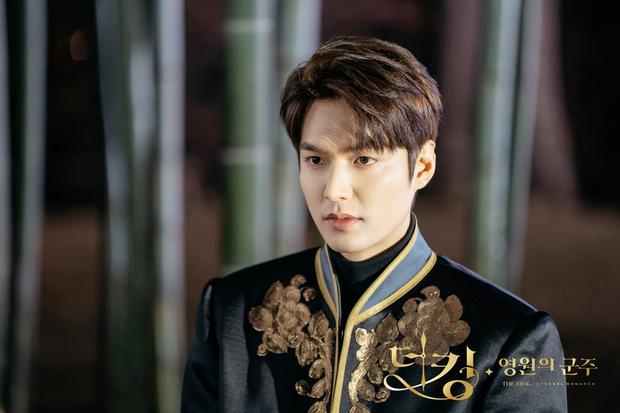 Lee Min Ho lâu lắm mới dự lễ trao giải SBS Drama Awards 2020, ai ngờ gây tranh cãi dữ dội vì lộ dấu hiệu lão hóa - Ảnh 5.