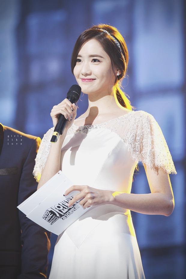 Nữ thần MBC Gayo Daejejeon gọi tên Yoona (SNSD): 5 năm liên tiếp làm MC, mỗi năm lại xinh hơn vạn phần, năm nay gây bão cả MXH - Ảnh 3.