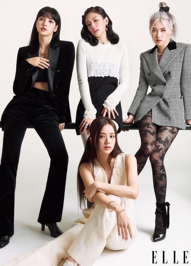 """Khung hình năm mới gây sốt của BLACKPINK: Lisa mếu khóc, Jennie - Jisoo phá hình tượng, Rosé mặt gì mà """"khó đỡ"""" thế này? - Ảnh 10."""