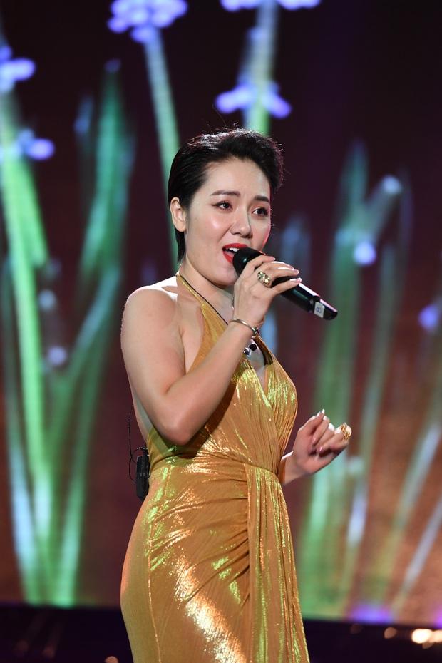 Noo Phước Thịnh trễ sóng show trực tiếp vì bị kẹt đường tại Hà Nội, MCK và Tlinh đụng độ ICD tại show countdown ở TP.HCM - Ảnh 14.