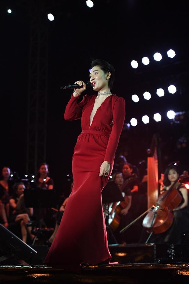 Noo Phước Thịnh trễ sóng show trực tiếp vì bị kẹt đường tại Hà Nội, MCK và Tlinh đụng độ ICD tại show countdown ở TP.HCM - Ảnh 16.