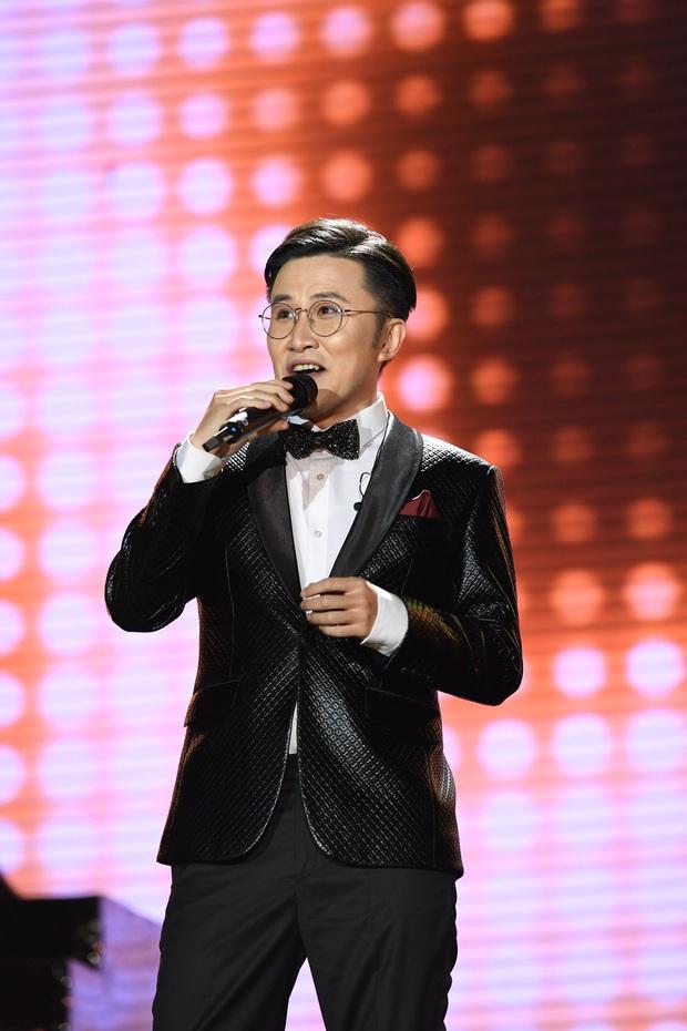 Noo Phước Thịnh trễ sóng show trực tiếp vì bị kẹt đường tại Hà Nội, MCK và Tlinh đụng độ ICD tại show countdown ở TP.HCM - Ảnh 15.