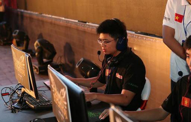 Game thủ Việt xuất ngoại: Người nhanh chóng bỏ cuộc, kẻ đánh mất chính mình, chỉ riêng SofM là biểu tượng vươn tầm thế giới - Ảnh 1.