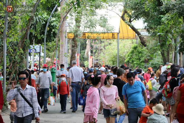 ẢNH: Thảo Cầm Viên đông đúc từ sáng đến chiều, hàng ngàn bố mẹ đưa con đi chơi Tết Dương lịch - Ảnh 9.