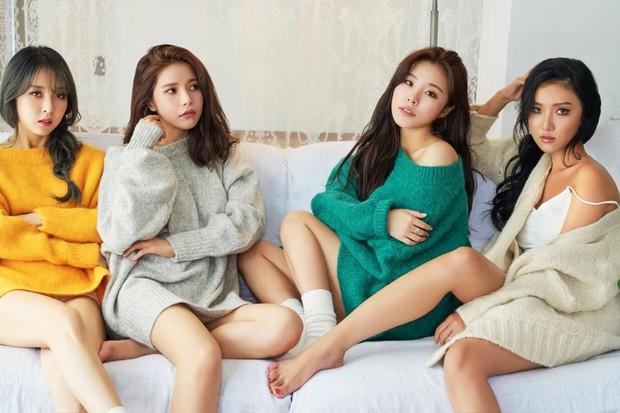 Mật báo Kbiz: Son Ye Jin - Hyun Bin cưới gấp, Rosé bị tố ngạo mạn, Red Velvet tiếp tục có biến nhưng chưa căng bằng couple BTS - TWICE - Ảnh 17.