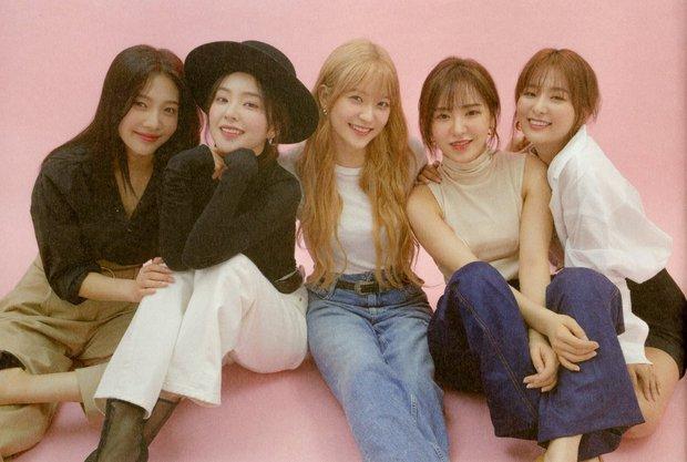 Mật báo Kbiz: Son Ye Jin - Hyun Bin cưới gấp, Rosé bị tố ngạo mạn, Red Velvet tiếp tục có biến nhưng chưa căng bằng couple BTS - TWICE - Ảnh 8.