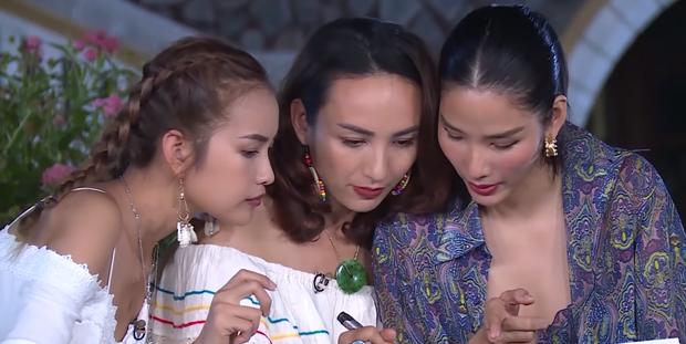 Đoạn clip Hoàng Thùy vật lộn với Mâu Thủy trên show thực tế gây chú ý - Ảnh 3.
