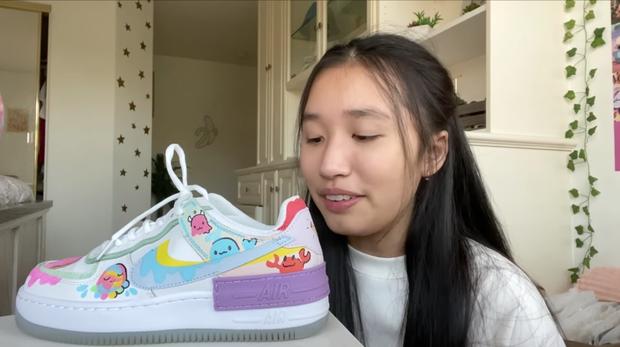 Hoá ra tiểu thư YouTuber như Jenny Huỳnh cũng xài giày pha ke, nhưng nể nhất là khoản vẽ vời cực xịn - Ảnh 2.