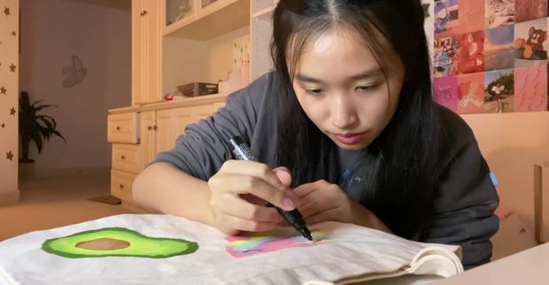Hoá ra tiểu thư YouTuber như Jenny Huỳnh cũng xài giày pha ke, nhưng nể nhất là khoản vẽ vời cực xịn - Ảnh 5.