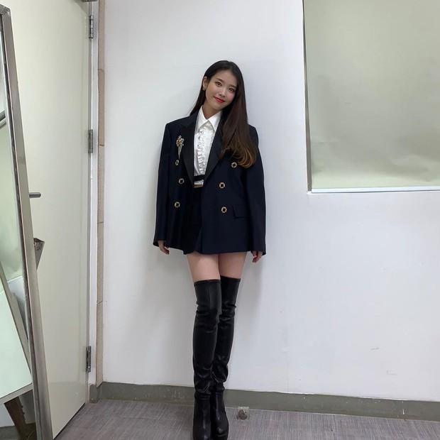 Nữ thần Grammy Hàn 2021 gọi tên IU: Diện 4 bộ đồ chiếm trọn spotlight, ảnh hậu trường khoe visual triệu người mê đắm - Ảnh 12.