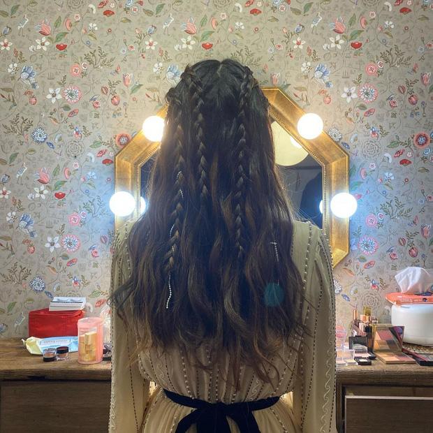 Nữ thần Grammy Hàn 2021 gọi tên IU: Diện 4 bộ đồ chiếm trọn spotlight, ảnh hậu trường khoe visual triệu người mê đắm - Ảnh 17.
