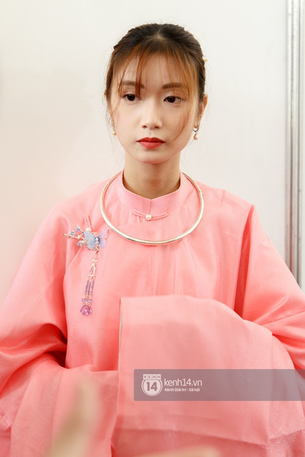 Sinh viên Sài Gòn diện cổ phục ngày cuối tuần: Toàn trai xinh gái đẹp lại còn mặc đồ truyền thống nữa là hết sảy - Ảnh 7.