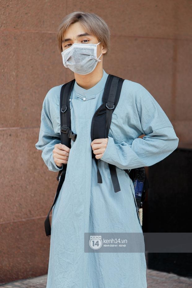 Sinh viên Sài Gòn diện cổ phục ngày cuối tuần: Toàn trai xinh gái đẹp lại còn mặc đồ truyền thống nữa là hết sảy - Ảnh 9.