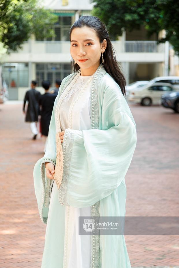 Sinh viên Sài Gòn diện cổ phục ngày cuối tuần: Toàn trai xinh gái đẹp lại còn mặc đồ truyền thống nữa là hết sảy - Ảnh 8.