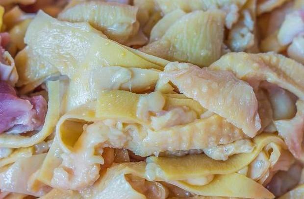 3 bộ phận của con gà ngon mấy cũng không nên ăn nhiều vì chứa vi khuẩn gây bệnh - Ảnh 1.