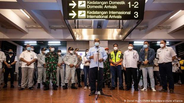 Tiếng nổ xé ngang bầu trời Indonesia: Tuổi thọ máy bay có phải thủ phạm chính trong tai nạn thảm khốc? - Ảnh 2.