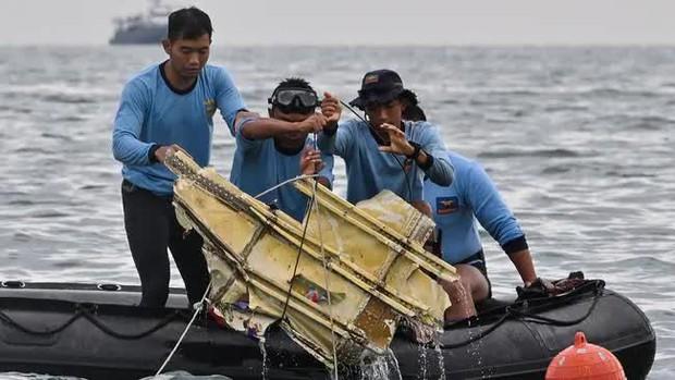 Tiếng nổ xé ngang bầu trời Indonesia: Tuổi thọ máy bay có phải thủ phạm chính trong tai nạn thảm khốc? - Ảnh 3.