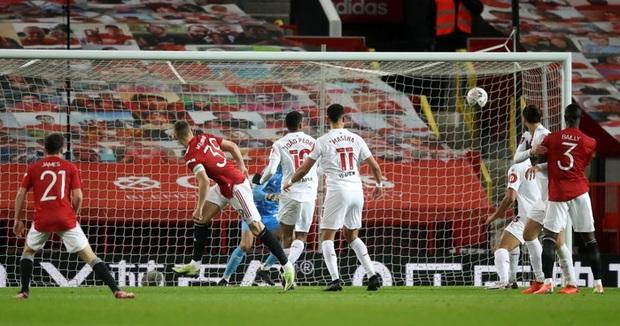 MU đánh bại đối thủ ở Hạng nhất Anh để lọt vào vòng 4 FA Cup - Ảnh 4.
