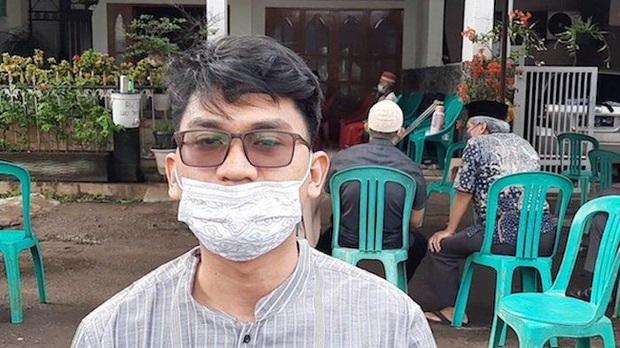 Máy bay rơi tại Indonesia: Hành động bất thường của vợ Cơ trưởng trước khi chồng bước lên chuyến bay định mệnh khiến bà có linh cảm xấu - Ảnh 7.