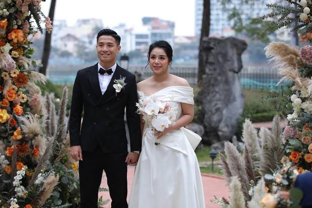 Dàn sao nô nức tới dự đám cưới Tiến Dũng ở Hà Nội: Ưng Hoàng Phúc diện vest lịch lãm đi cùng vợ, Chi Dân cũng góp mặt - Ảnh 6.