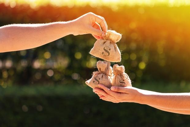Hôn nhân cưa đôi: Sòng phẳng tiền bạc làm đường lui cho tương lai hay trào lưu kết hôn hời hợt của giới trẻ Trung Quốc? - Ảnh 2.