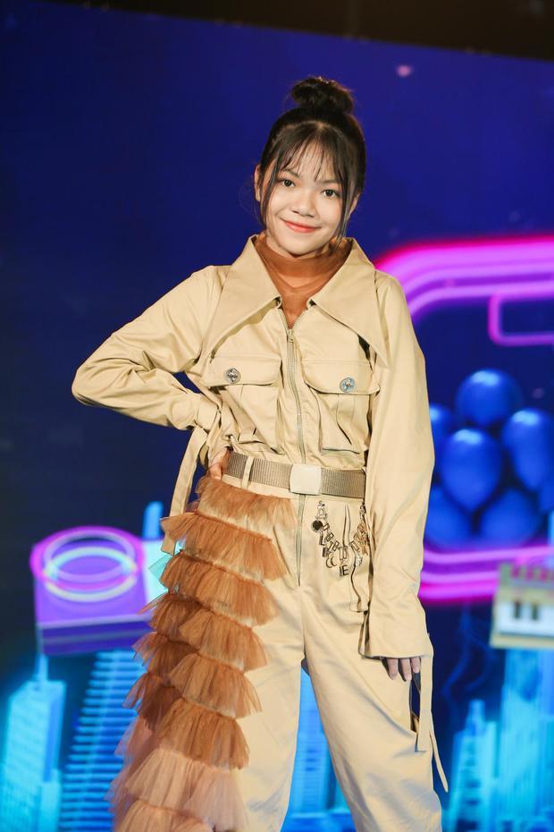 Giọng Hát Việt Nhí: Cô bé 13 tuổi khiến dàn HLV lôi cả rap Việt, top 1 trending, Phúc Du vào tranh cãi - Ảnh 8.