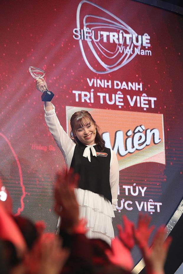 Siêu Trí Tuệ Việt Nam: Cô gái 20 tuổi bất ngờ xuất hiện đá văng chàng trai cao điểm nhất vòng 1! - Ảnh 6.