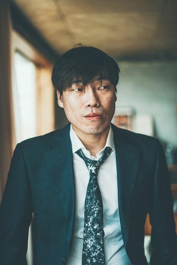 Thầu top đầu Naver là tin hé lộ danh tính tài tử Hàn cưỡng bức nữ minh tinh đàn em: Hóa ra là bạn diễn của Lee Min Ho, Đường Yên - Ảnh 2.