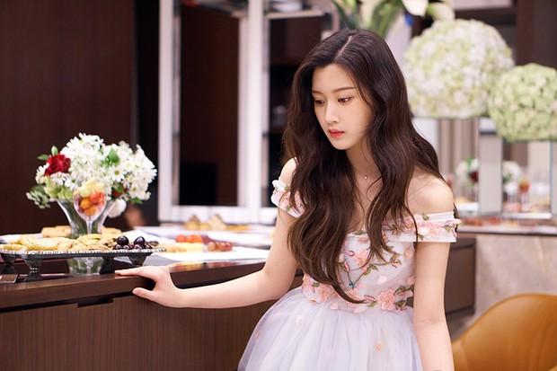 Nữ diễn viên số hưởng đánh bại cả Jisoo (BLACKPINK): Thạo 3 ngôn ngữ, đỗ đại học nổi tiếng bậc nhất Hàn Quốc - Ảnh 2.