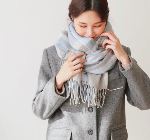 5 kiểu quàng khăn chuẩn style Hàn Quốc: Không chỉ ấm áp, sang chảnh mà còn hack chiều cao tài tình - Ảnh 16.