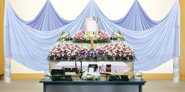 Người Nhật tiễn người đã khuất bằng hoa tươi theo cách cực kỳ lộng lẫy, công ty hoa tang lễ thu hơn tiền tỷ mỗi năm - Ảnh 5.