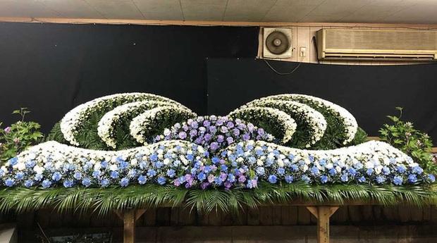 Người Nhật tiễn người đã khuất bằng hoa tươi theo cách cực kỳ lộng lẫy, công ty hoa tang lễ thu hơn tiền tỷ mỗi năm - Ảnh 7.